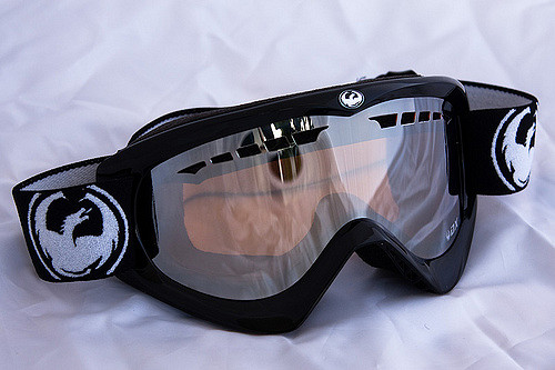 Sports equipment such as diving masks, ski goggles and swim goggles are made with LSR